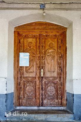 usa-din-lemn-de-la-biserica-din-camarzana-judetul-satu-mare.jpg