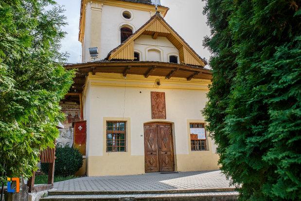 usa-din-lemn-de-la-biserica-din-grui-nasterea-sf-ioan-botezatorul-1742-din-saliste-judetul-sibiu.jpg