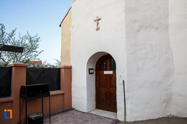 usa-din-lemn-de-la-biserica-romano-catolica-sf-bartolomeu-din-sebes-judetul-alba.jpg