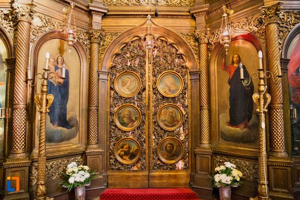 usa-interioara-biserica-ortodoxa-sf-nicolae-din-cluj-napoca-judetul-cluj.jpg
