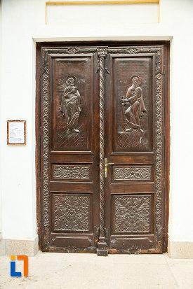 usa-sculptata-din-lemn-biserica-sf-nicolae-din-galati-judetul-galati.jpg