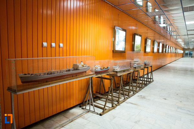vaporase-expuse-la-muzeul-regiunii-portilor-de-fier-din-drobeta-turnu-severin-judetul-mehedinti.jpg