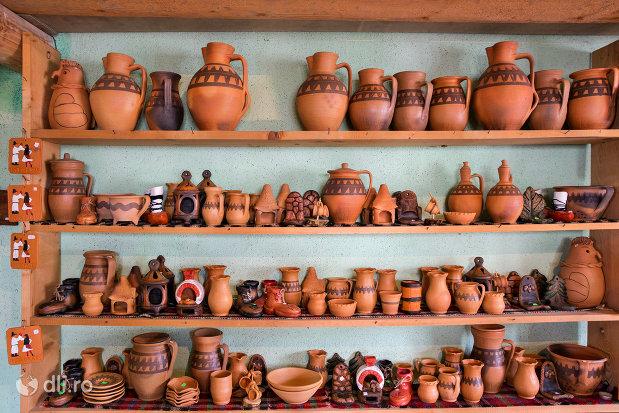 vase-de-lut-de-la-ceramica-sacel-judetul-maramures.jpg