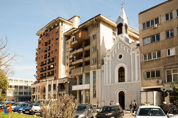 vedere-cu-capela-romano-catolica-din-alba-iulia-judetul-alba.jpg