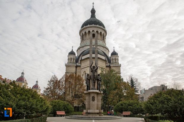 vedere-cu-catedrala-ortodoxa-a-vadului-feleacului-si-clujului-din-cluj-napoca-judetul-cluj.jpg