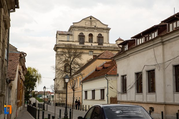 vedere-cu-fosta-manastire-a-trinitarienilor-azi-biblioteca-batthyaneum-din-alba-iulia-judetul-alba.jpg