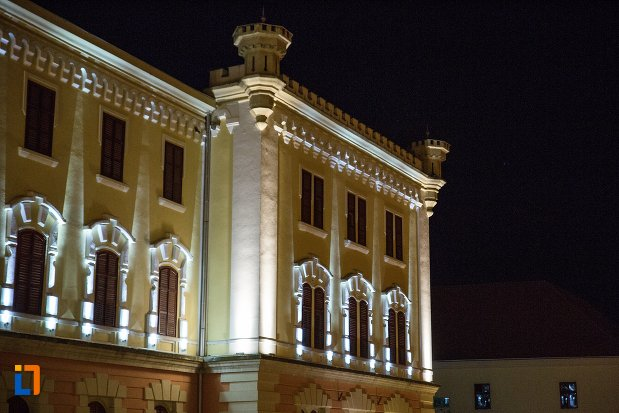vedere-cu-muzeul-national-al-unirii-din-alba-iulia-judetul-alba-noaptea.jpg