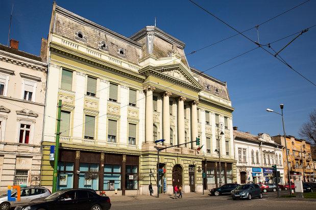 vedere-cu-palatul-bancii-nationale-a-romaniei-din-arad-judetul-arad.jpg
