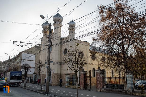 vedere-cu-sinagoga-neologa-din-cluj-napoca-judetul-cluj.jpg
