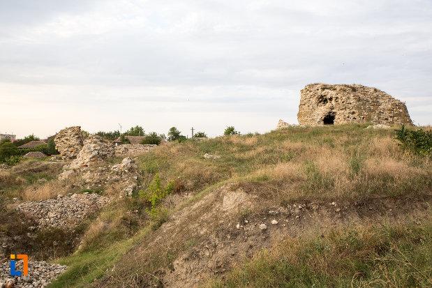 vedere-cu-situl-arheologic-cetatea-carsium-din-harsova-judetul-constanta.jpg