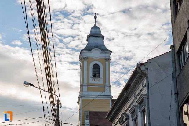 vedere-cu-turnul-de-la-biserica-evanghelica-luterana-sinodo-prezbiteriana-din-cluj-napoca-judetul-cluj.jpg