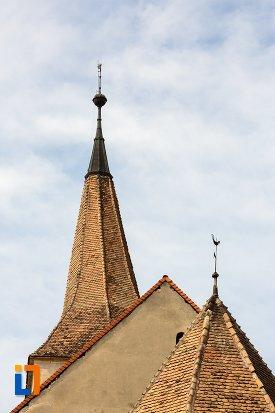 vedere-cu-turnul-de-la-biserica-reformata-din-aiud-judetul-alba.jpg
