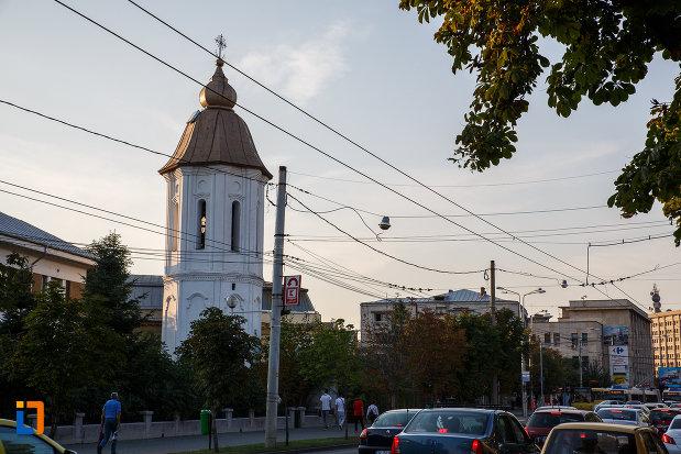 vedere-cu-turnul-de-la-biserica-sf-gheorghe-vechi-din-ploiesti-judetul-prahova.jpg