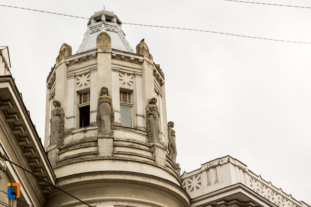 vedere-cu-turnul-de-la-palatul-cultural-din-arad-judetul-arad.jpg