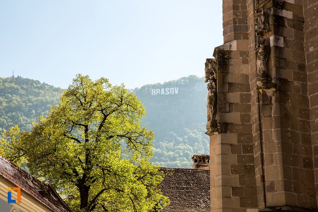 vedere-de-langa-biserica-neagra-1383-1477-din-brasov-judetul-brasov.jpg