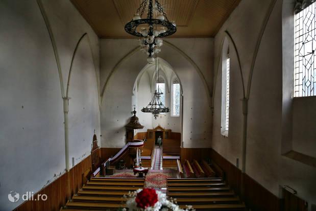 vedere-de-sus-in-biserica-reformata-tasnad.jpg