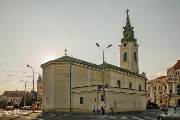 vedere-din-spate-biserica-romano-catoloca-sf-ladislau-din-oradea-judetul-bihor.jpg