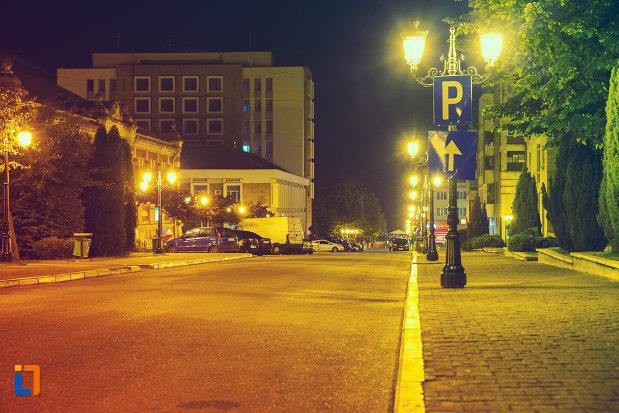 vedere-nocturna-cu-orasul-drobeta-turnu-severin-judetul-mehedinti.jpg