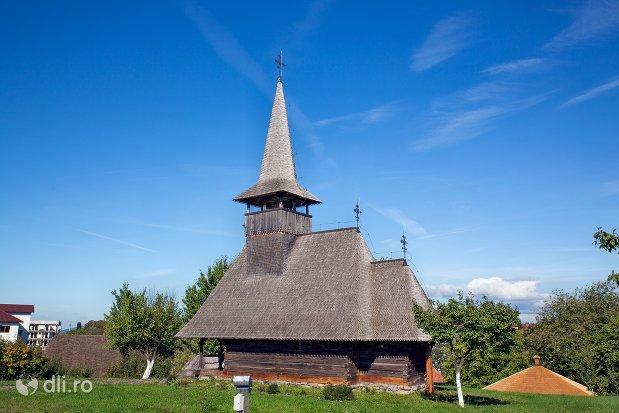 vedere-spre-biserica-din-muzeul-satului-osenesc-din-negresti-oas-judetul-satu-mare.jpg