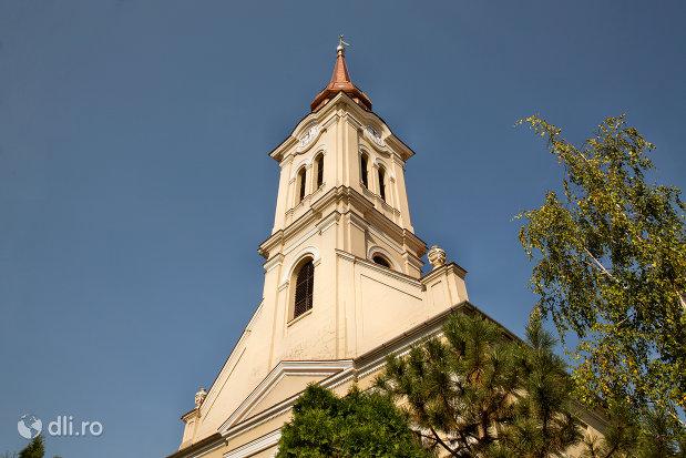 vedere-spre-biserica-reformata-olosig-din-oradea-judetul-bihor.jpg