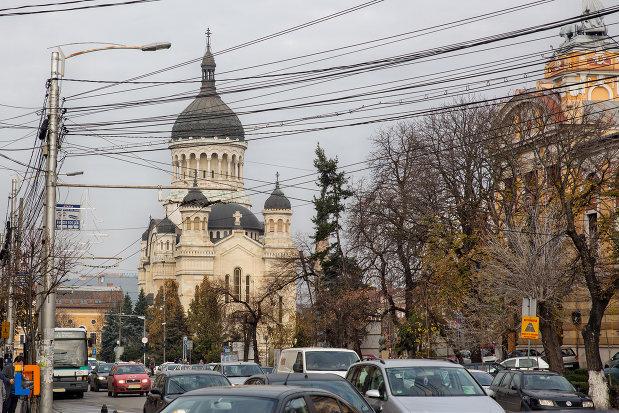 vedere-spre-catedrala-ortodoxa-a-vadului-feleacului-si-clujului-din-cluj-napoca-judetul-cluj.jpg