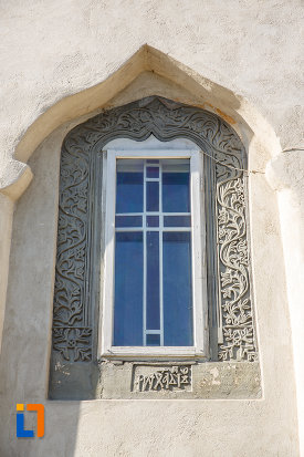 vitralii-de-la-biserica-ortodoxa-din-salcea-judetul-suceava.jpg