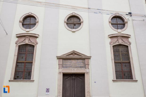 vitralii-de-la-biserica-reformata-din-sibiu-judetul-sibiu.jpg