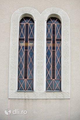 vitralii-de-la-catedrala-ortodoxa-din-calinesti-oas-judetul-satu-mare.jpg