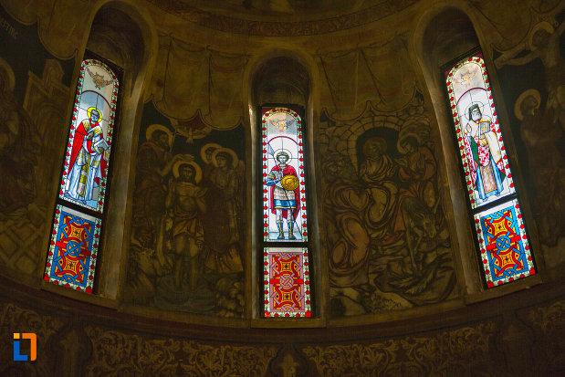 vitralii-din-biserica-ortodoxa-sf-nicolae-din-cluj-napoca-judetul-cluj.jpg