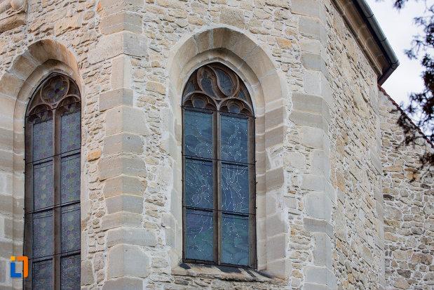 vitralii-din-biserica-romano-catolica-calvaria-din-cluj-napoca-judetul-cluj.jpg