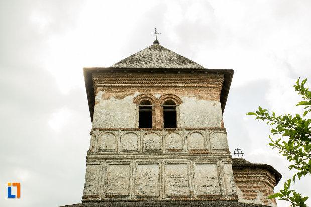 vitralii-din-turn-manastirea-strehaia-judetul-mehedinti.jpg