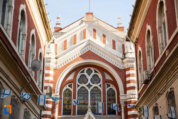 vitraliu-de-la-biserica-evreiasca-din-brasov-judetul-brasov.jpg