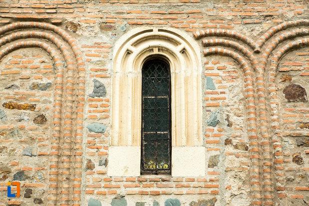 vitraliu-de-la-biserica-fortificata-precista-din-galati-judetul-galati.jpg