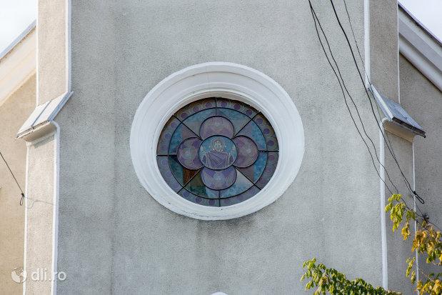 vitraliu-de-la-biserica-ortodoxa-adormirea-maicii-domului-din-sighetu-marmatiei-judetul-maramures.jpg