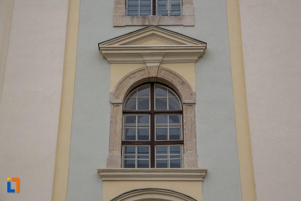 vitraliu-de-la-biserica-parohiala-evanghelica-sf-maria-din-sibiu-judetul-sibiu.jpg