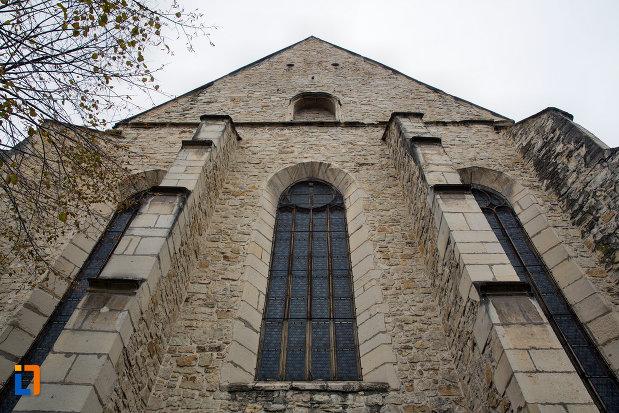 vitraliu-de-la-biserica-reformata-din-cluj-napoca-judetul-cluj.jpg