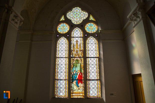 vitraliu-din-biserica-evanghelica-din-1906-din-arad-judetul-arad.jpg