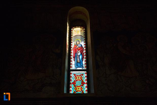 vitraliu-din-biserica-ortodoxa-sf-nicolae-din-cluj-napoca-judetul-cluj.jpg