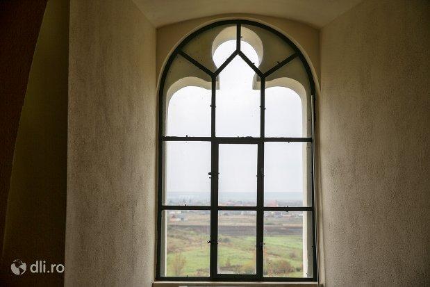 vitraliu-interior-cetatea-din-ardud-judetul-satu-mare.jpg