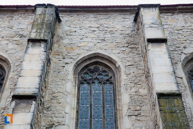 vitraliu-si-coloane-de-la-biserica-reformata-din-cluj-napoca-judetul-cluj.jpg