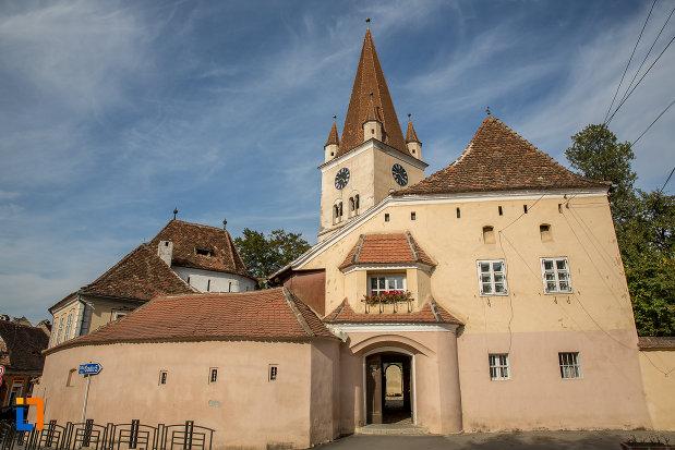zid-de-aparare-de-la-biserica-evanghelica-fortificata-din-cisnadie-judetul-sibiu.jpg