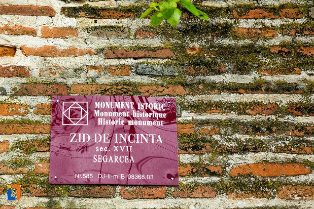 zid-de-incinta-manastirea-segarcea-judetul-dambovita.jpg