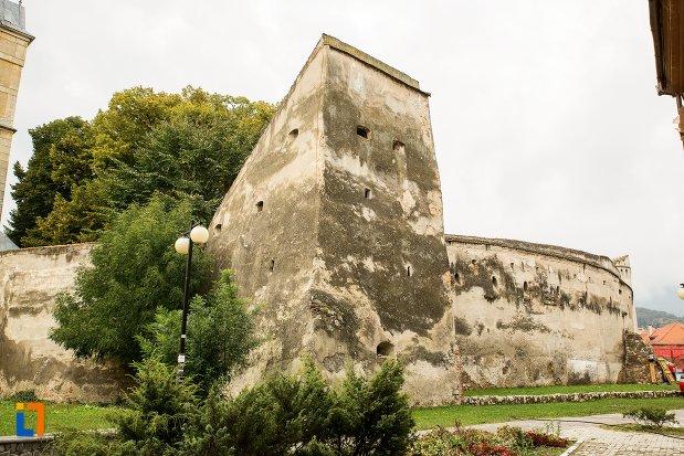 zid-de-la-biserica-evanghelica-fortificata-din-codlea-judetul-brasov.jpg