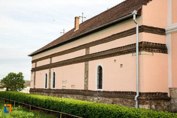 zid-de-la-biserica-maieri-sf-treime-din-alba-iulia-judetul-alba.jpg