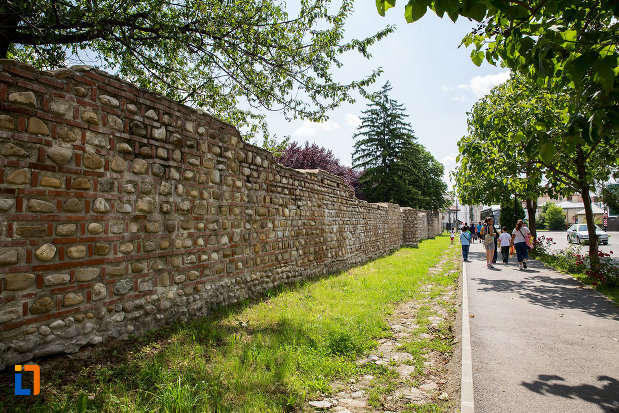 zid-de-la-complexul-monumental-curtea-domneasca-din-targoviste-judetul-dambovita.jpg