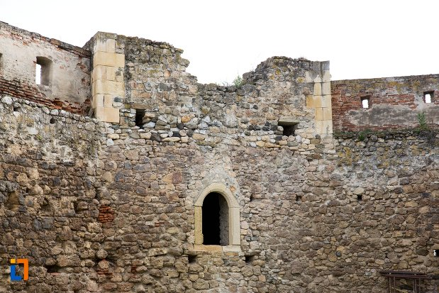 zid-fortificat-langa-biserica-reformata-din-aiud-judetul-alba.jpg