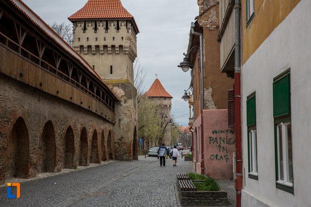 zid-fortificat-si-turnul-olarilor-din-sibiu-judetul-sibiu.jpg