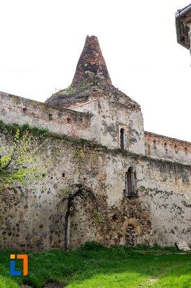 zid-interior-de-la-cetatea-aiudului-judetul-alba.jpg