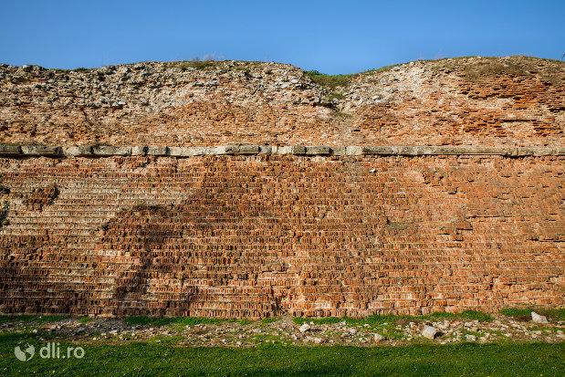 zid-ramas-din-cetatea-oradea-judetul-bihor.jpg