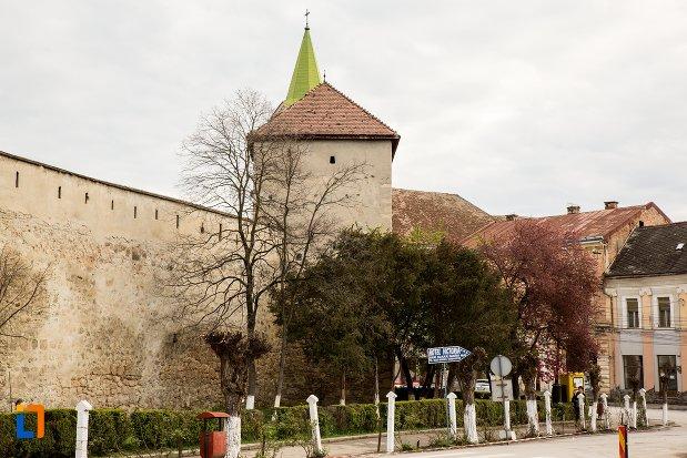 zid-si-bastion-de-la-cetatea-aiudului-judetul-alba.jpg